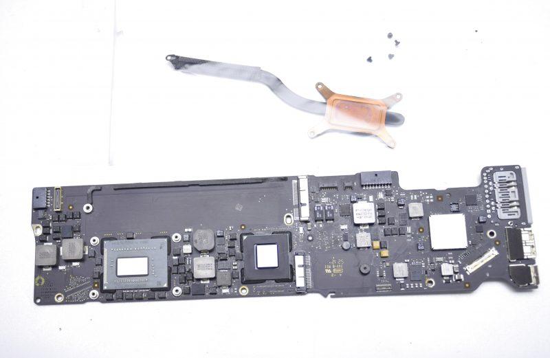 MacBook Air A1466 Mid 2012 13″ OEM i7 2.0GHz 8GB Logic Board 820-3209-A AS-IS